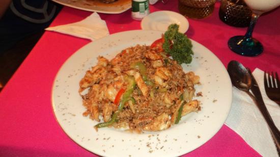 Restaurante Paco's: ARROZ, POLLO Y MARISCO FRITO