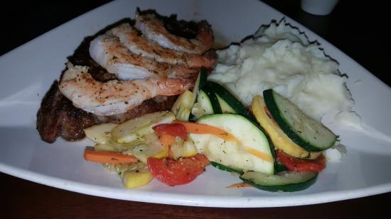 Stonewood Grill & Tavern: Ribeye with  Oak grilled shrimp