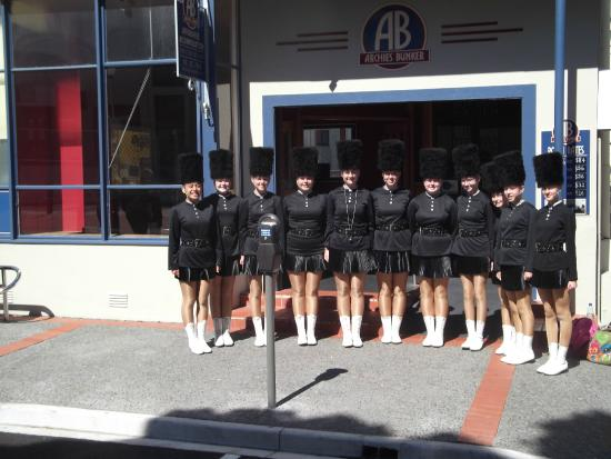 Archies Bunker Backpackers: Marching girls team