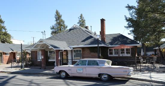 "Motel DuBeau Travelers Inn & Hostel: ""PINKY"" our 1963 Mercury Monterey"