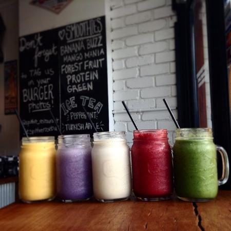Spitfire Restaurant and Grill: Smooothies