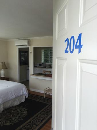 The Tides Laguna Beach: View into room from door