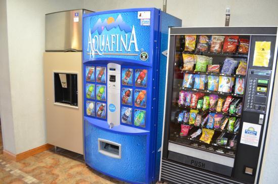 دايز إن آند سويتس ماديسون: Vending and Ice