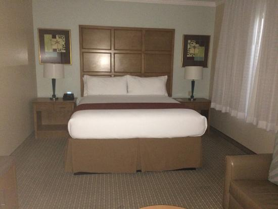 Holiday Inn Express Hotel & Suites: photo0.jpg