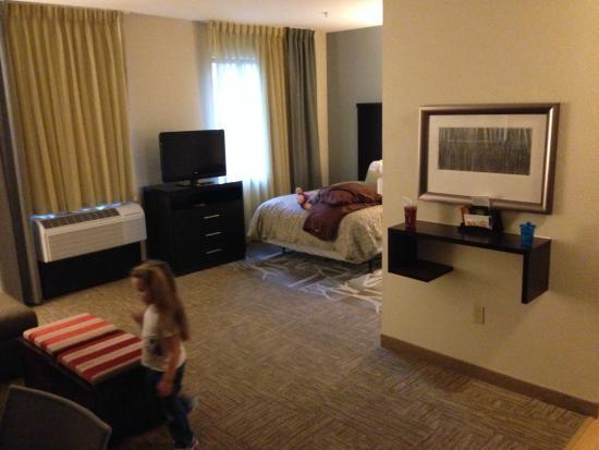 Staybridge Suites Stone Oak: giant room