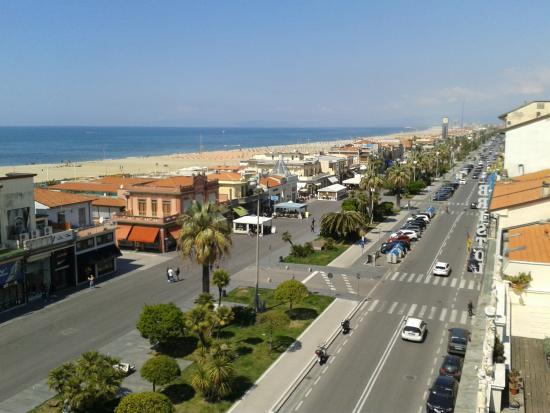 Plaza e De Russie Hotel: ...dalla terrazza....