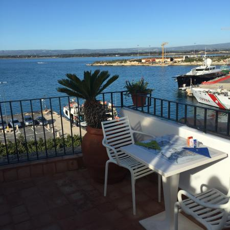 L'Approdo delle Sirene B&B: roof top breakfast