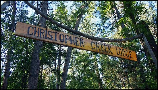 Christopher Creek Lodge: Rustic Sign