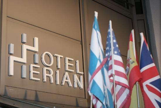 Hotel Herian : Hoteleingang