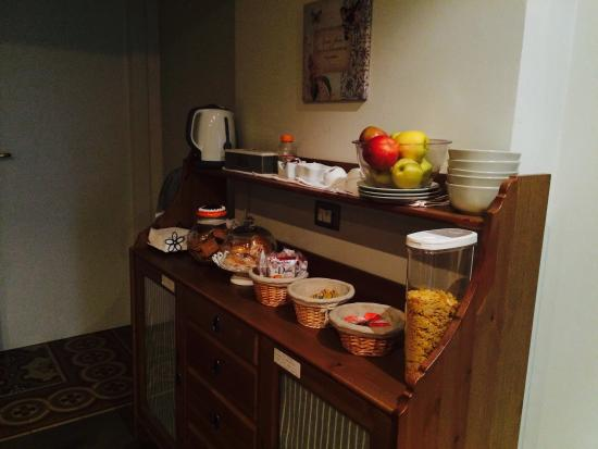 B&B Citta di Giulietta: Breakfast room