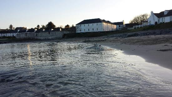 Port Charlotte Youth Hostel : The hostel as seen from the beach.