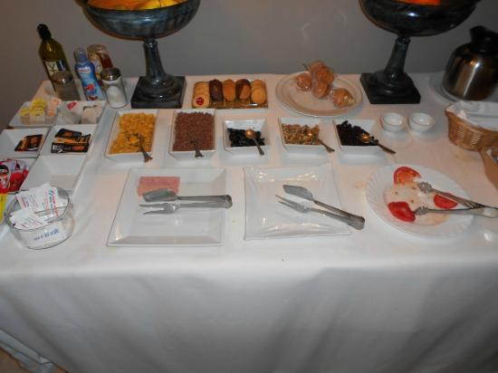 Bellas Artes Hotel: This is breakfast