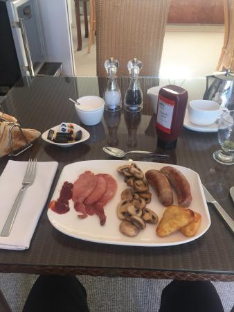 Milvil Corner Bed and Breakfast: My Lovely Breakfast!