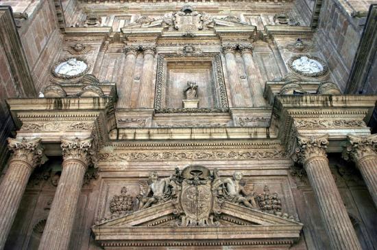 Cathedral of Almeria: Стена собора