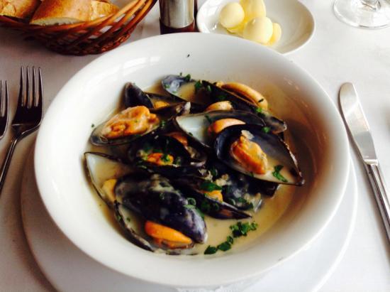 Alvaro's Portuguese Restaurant: photo0.jpg