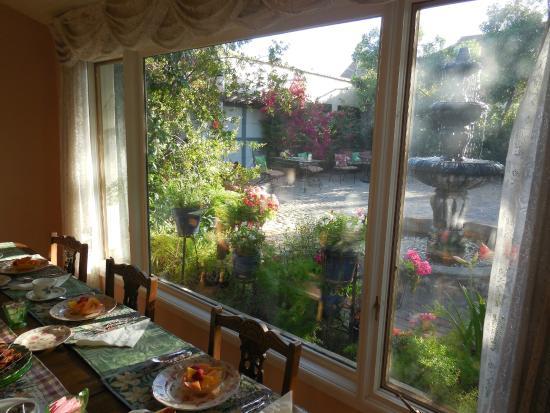 El Presidio Inn Bed and Breakfast : View from Breakfast