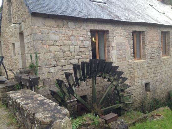 Moulin de Cochelin : La salle de restaurant dans l'ancien moulin