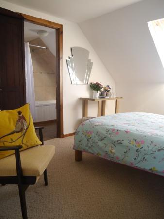 Heatherdale Bed & Breakfast: Room 2, A Double room