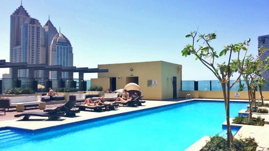 Southern Sun Abu Dhabi: Rooftop pool