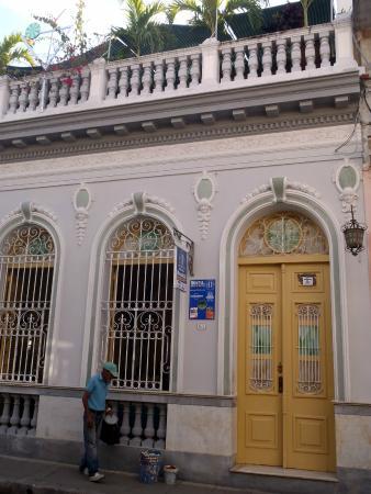 Hostal Autentica Pergola: facciata