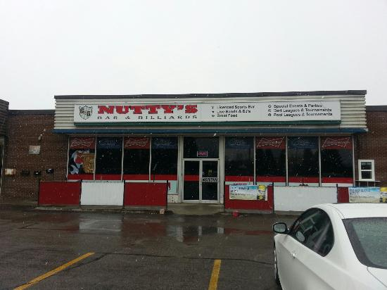 Woodstock, Canada: Nutty's Bar & Billiards