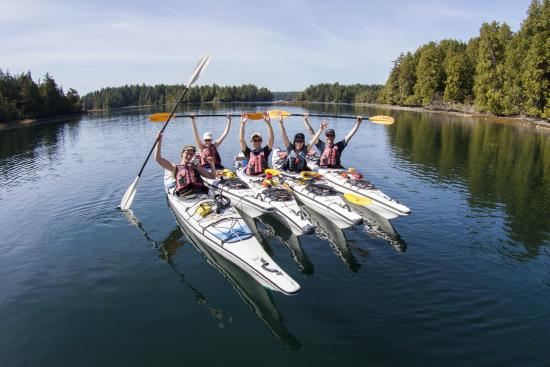 Bamfield, Καναδάς: Grab your besties and plan a kayaking adventures to the Broken Group, you won't be dissapointed!