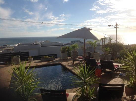 51 On Camps Bay Guesthouse: pool, terrace, sea view! amazing!