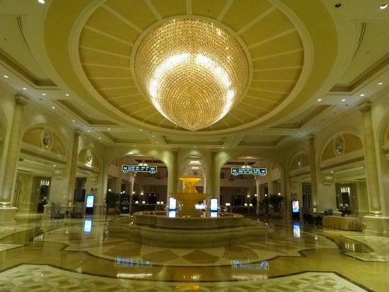 Grand Metropark Ocean Spring Resort Qingdao: Hotel lobby