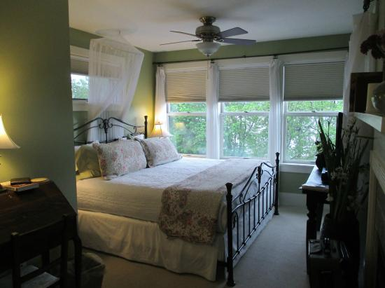 Greenlake Guest House: Parkview Room