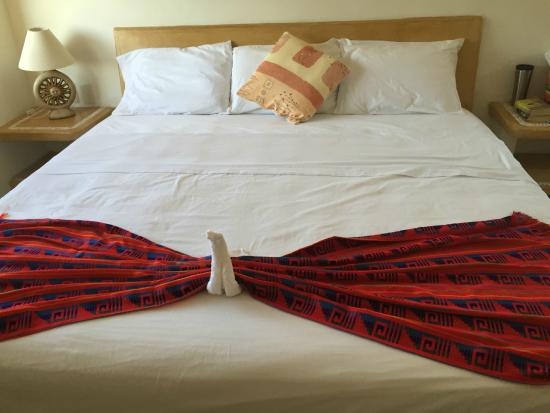 Canto del Mar Hotel & Villas : The King Sized Bed