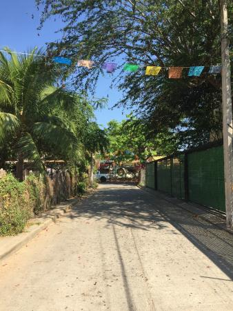 Canto del Mar Hotel & Villas: View of the Street the Hotel is On