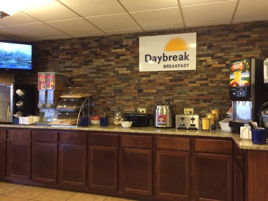 Days Inn & Suites Gunnison : Breakfast