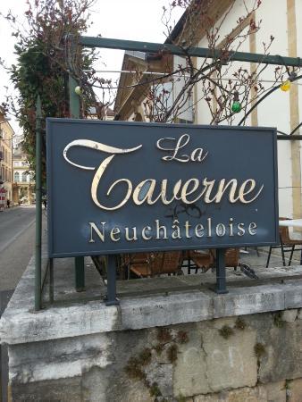 la taverne neuchateloise: Entrata della taverne