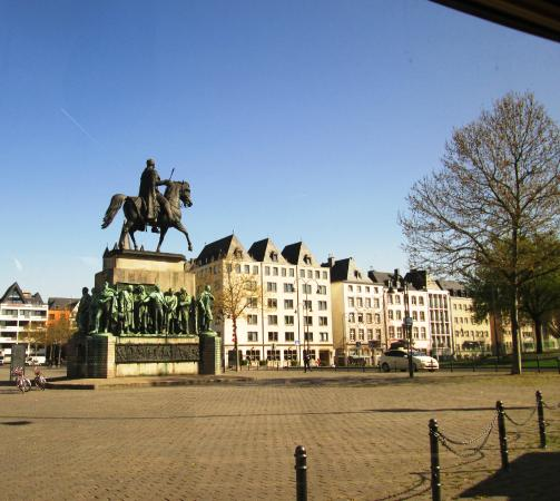 Statue of Frederick William III of Prussia