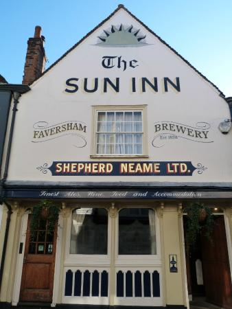 ‪The Sun Inn Bar‬