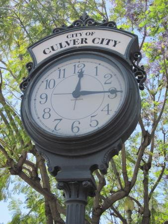 The Culver City Clock outside Tender Greens (17/Apr/15).