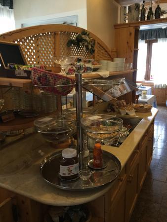 Hotel Wanda: Angolo sala colazione! Fabio Cremona (il presidente)