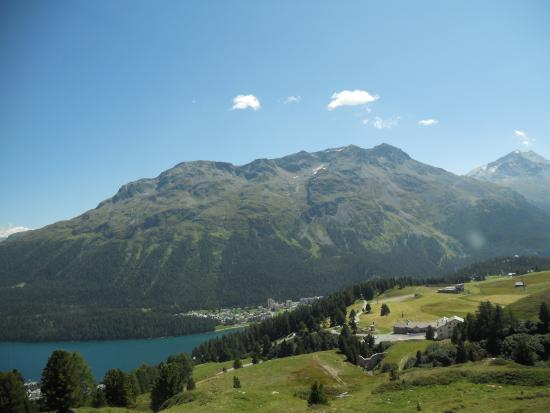 Piz Nair: 登る途中の景観です