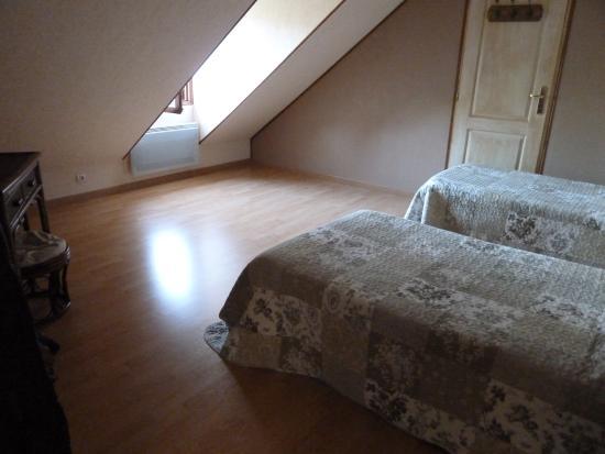La maison de Cyrillaure: chambre lits jumeaux