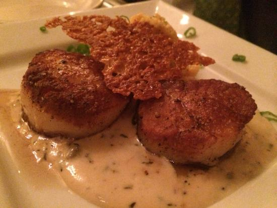 McEwen's On Monroe: Scallops and Grits