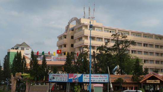 Cap Saint Jacques: The hotel building n surrounding