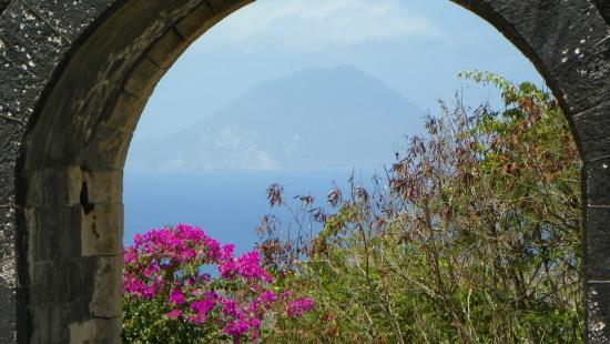 Island Paradise Tours : Beautiful view from Brimstone Hill Fortress