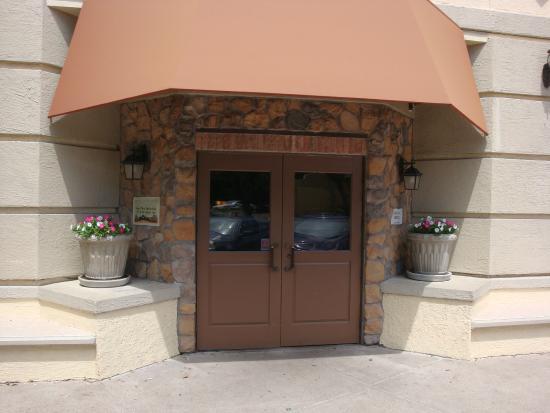 olive garden front entrance - Olive Garden Addison