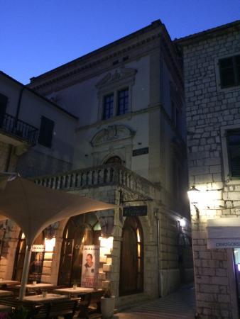 Napoleon Theatre