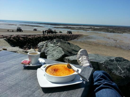 Le Grand Herbet: Une si belle vue pour un dessert et un café
