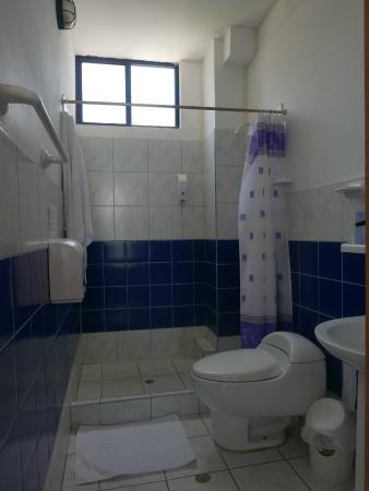 Hotel Casa Sol Isabela : my bathroom