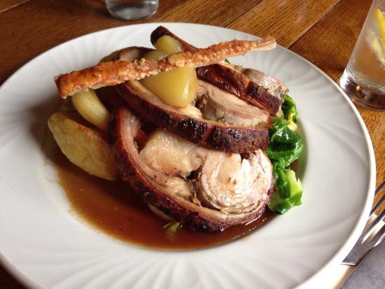 The Crown Inn: Slow roast pork (3 slices of meat)