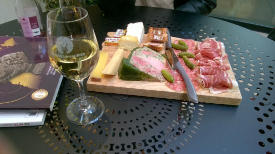 Les Vins De Maurice: Planche charcuteries-fromages