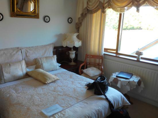 Havens Rest B&B: Grand lit deux places, très confortable.