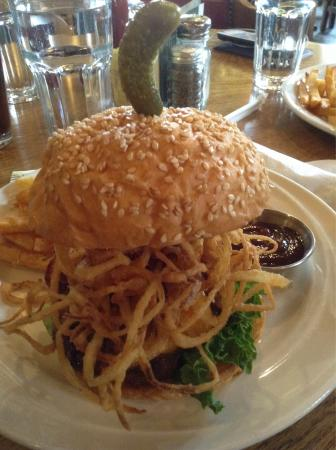 Brewery Creek Brewpub: Haystack burger